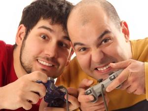 משחקי רשת אלימים מגבירים אלימות בקרב בני נוער